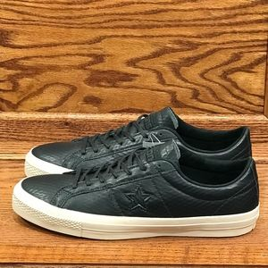 Converse One Star Leather Almost Black Parchment